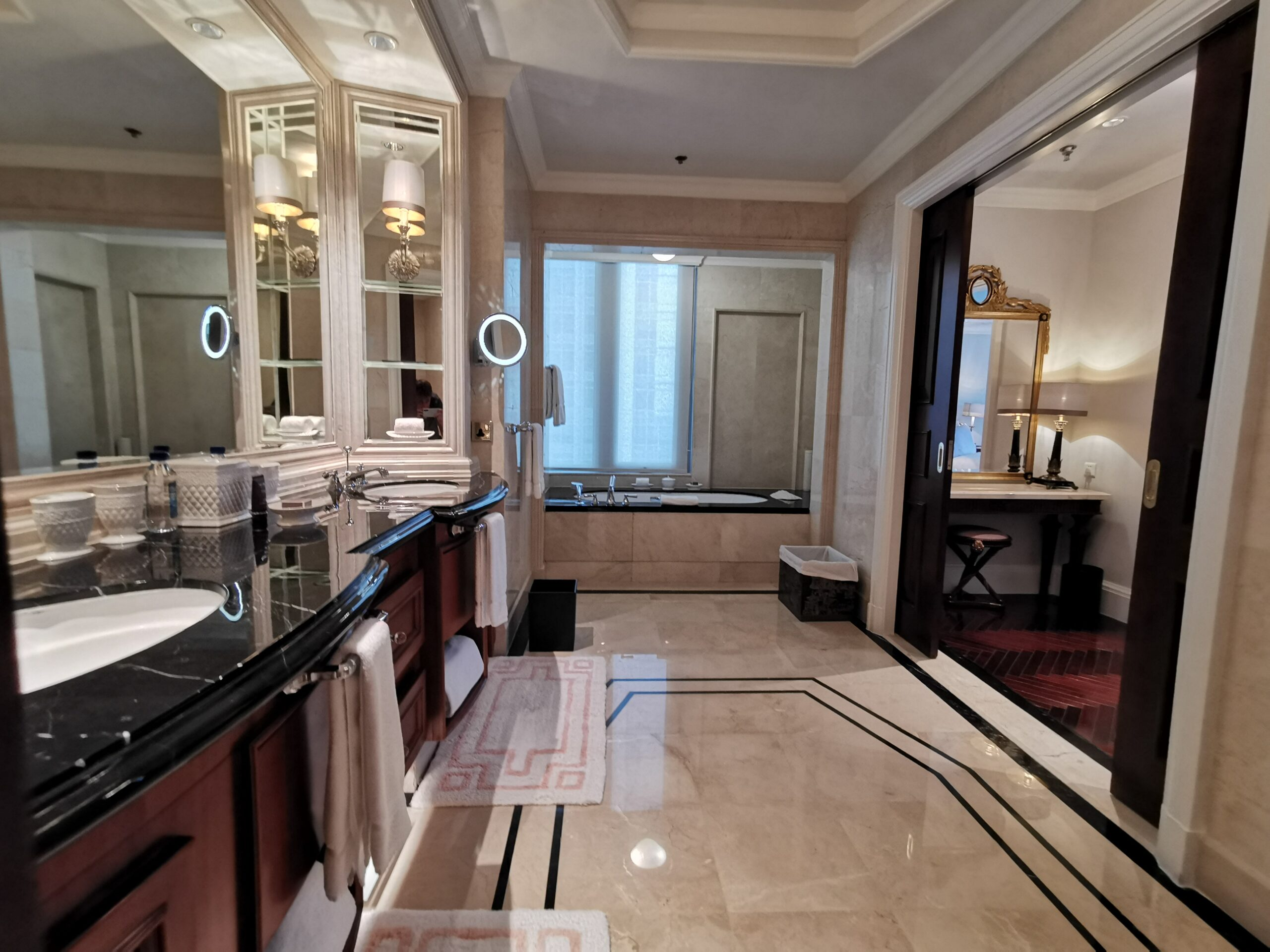 Ritz Carlton Guangzhou Suite Bathroom